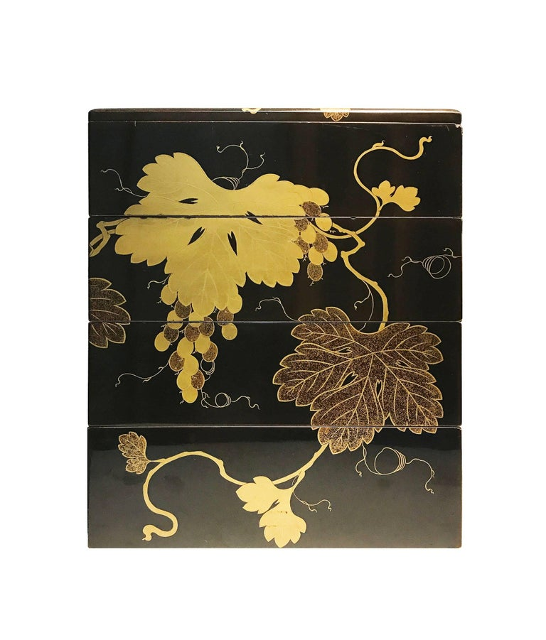 Wood Early 19th Century, Bento Box with Grapes Design, Edo Period, Art of Japan For Sale
