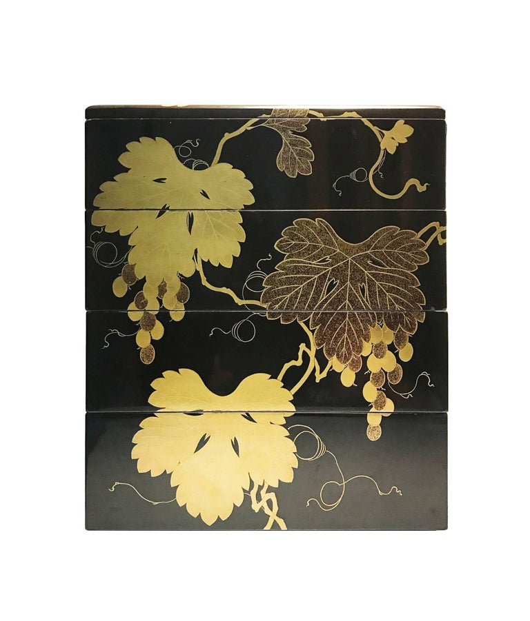 Early 19th Century, Bento Box with Grapes Design, Edo Period, Art of Japan For Sale 1
