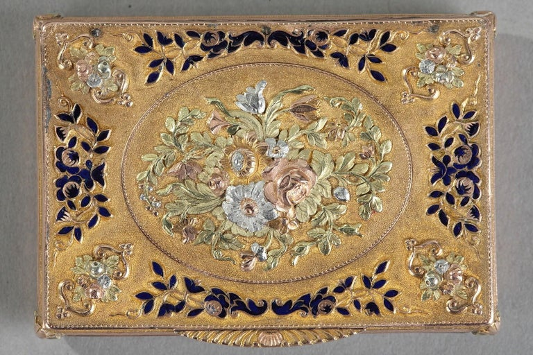 Early 19th Century Gold and Enamel Box, Swiss Work For Sale 1