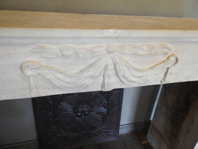 Early 19th-Late 18th Century Louis XV Fireplace in French Limestone  For Sale 2