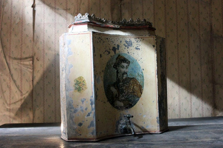 Early 19th Century French Chinoiserie Tôle Peinte Water Urn, circa 1820 For Sale 11