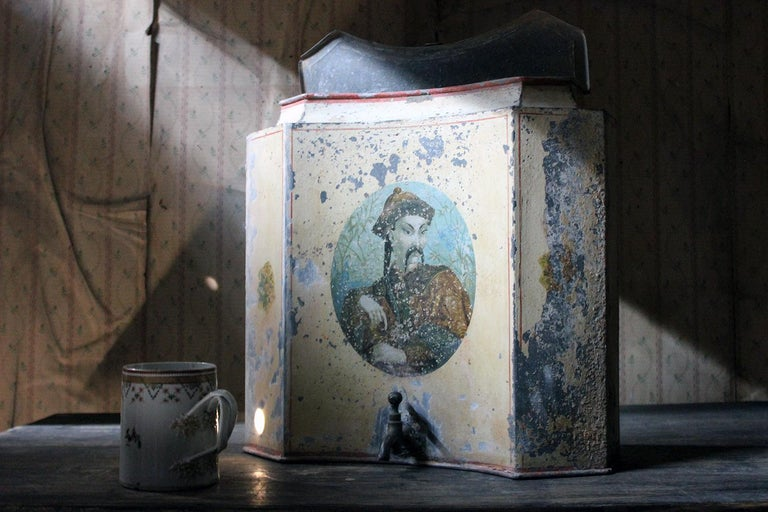 Early 19th Century French Chinoiserie Tôle Peinte Water Urn, circa 1820 For Sale 14
