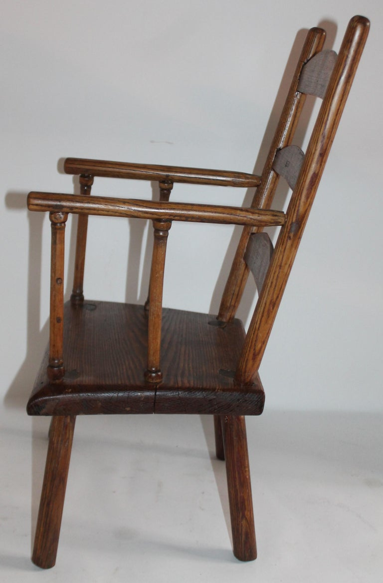 American Early 19th Century New England Child's Chair For Sale