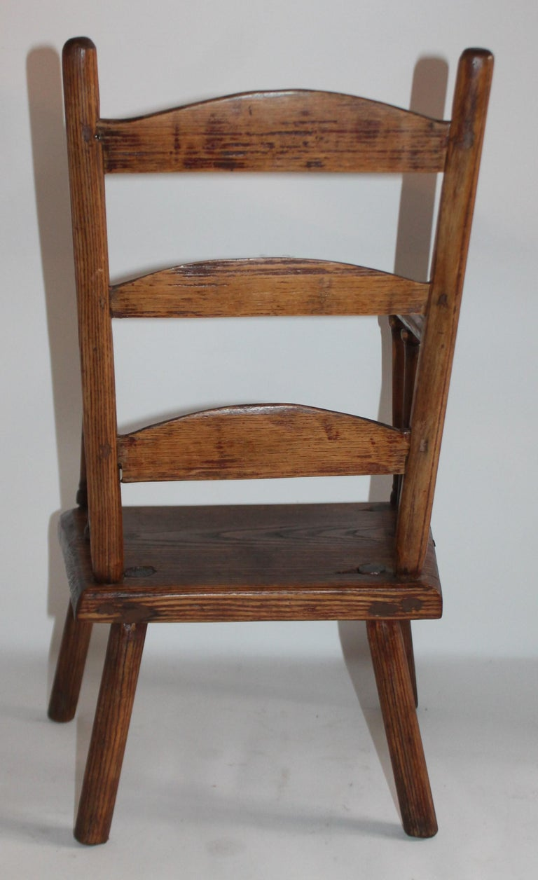 Early 19th Century New England Child's Chair In Good Condition For Sale In Los Angeles, CA