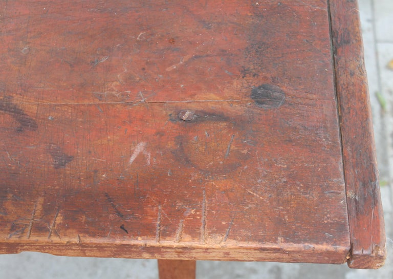 American Early 19thc Original Red Painted Pennsylvania Farm Table For Sale