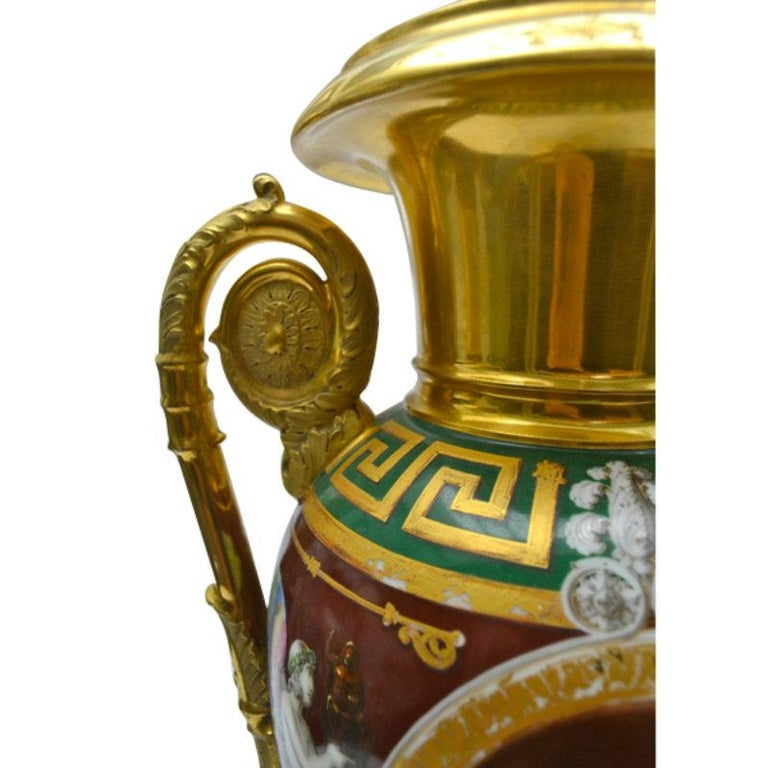 Early 19th Century Paris Porcelain Urn For Sale 1