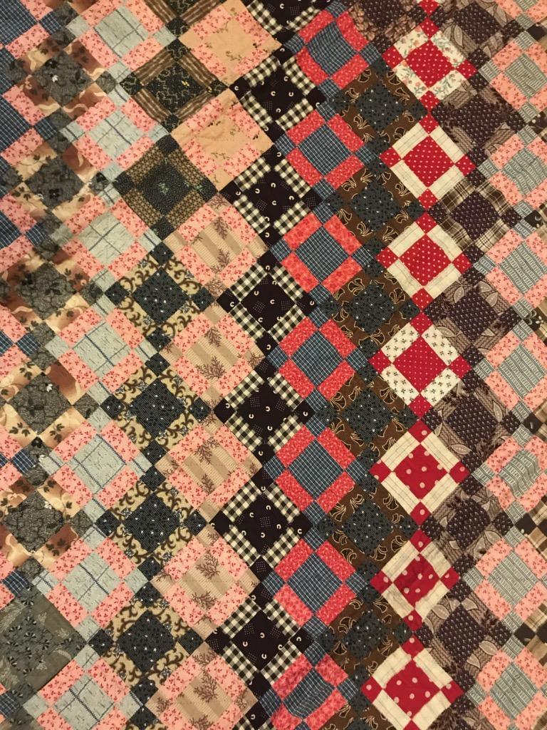Early 19th Century Quilt, Mini Pieced Nine Patch from Pennsylvania In Good Condition For Sale In Los Angeles, CA