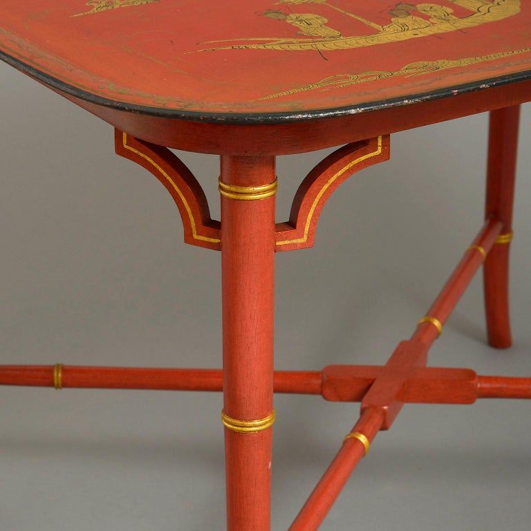 English Early 19th Century Regency Japanned Tôle Tray forming a Coffee Table For Sale