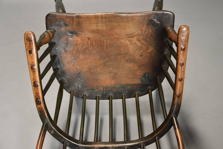 Early 19th Century West Country Ash Hoop Back Windsor Chair For Sale 4