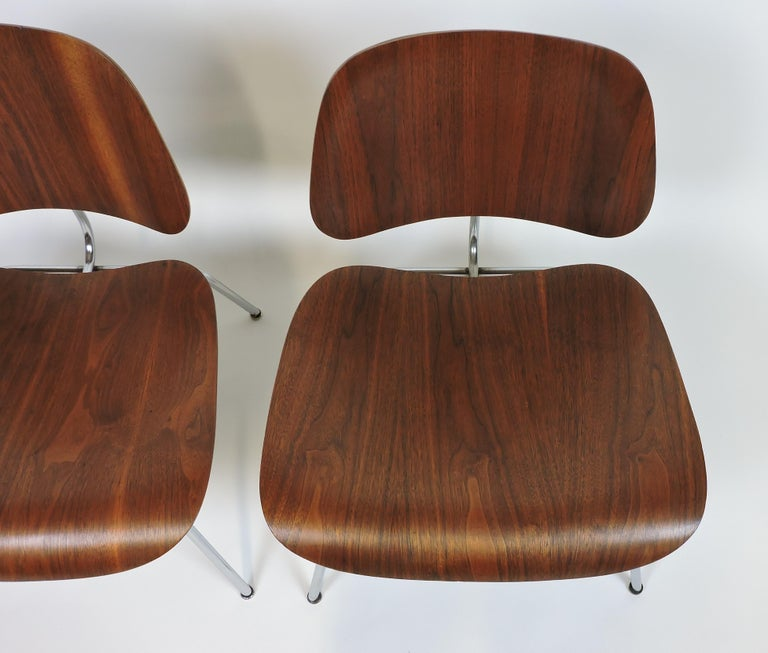 Mid-Century Modern Early First Edition Eames Walnut LCM Chair for Evans For Sale