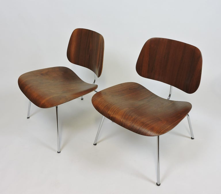 American Early First Edition Eames Walnut LCM Chair for Evans For Sale