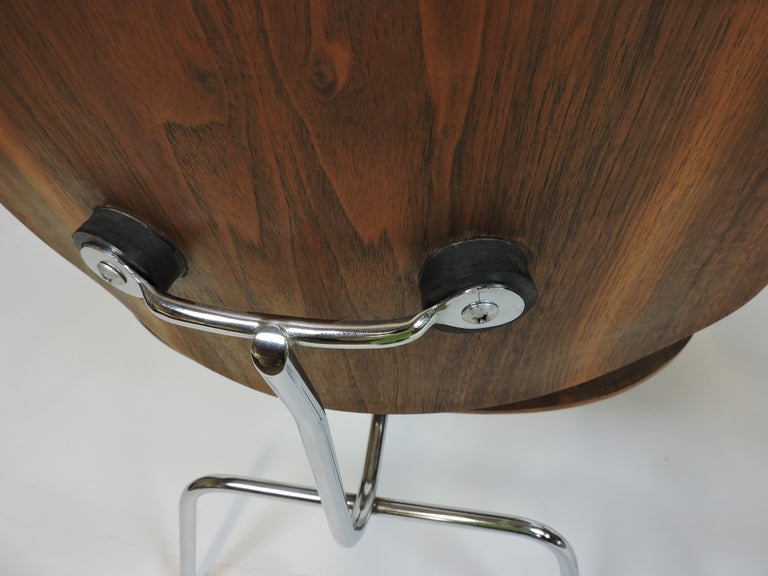 Early First Edition Eames Walnut LCM Chair for Evans For Sale 2