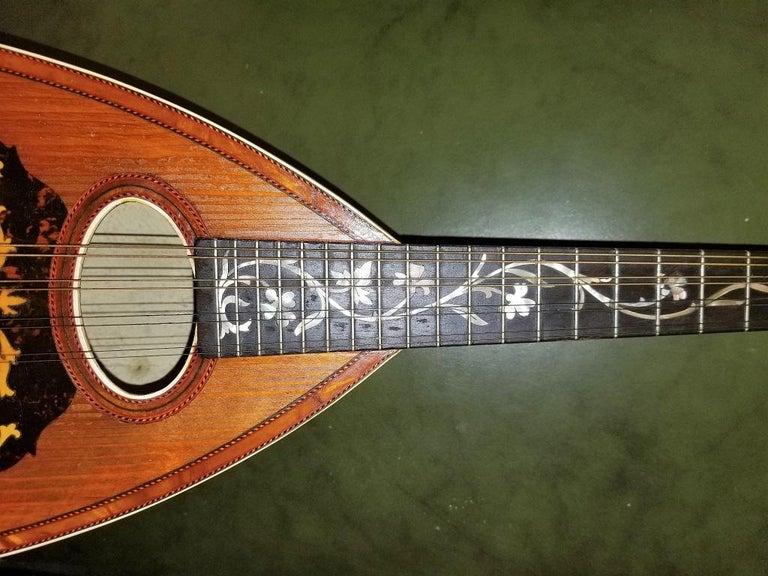 Early 20th Century Italian Mandolin with Original Case In Good Condition For Sale In Dallas, TX