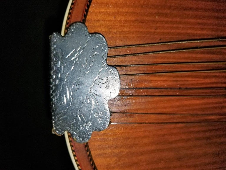 Early 20th Century Italian Mandolin with Original Case For Sale 1