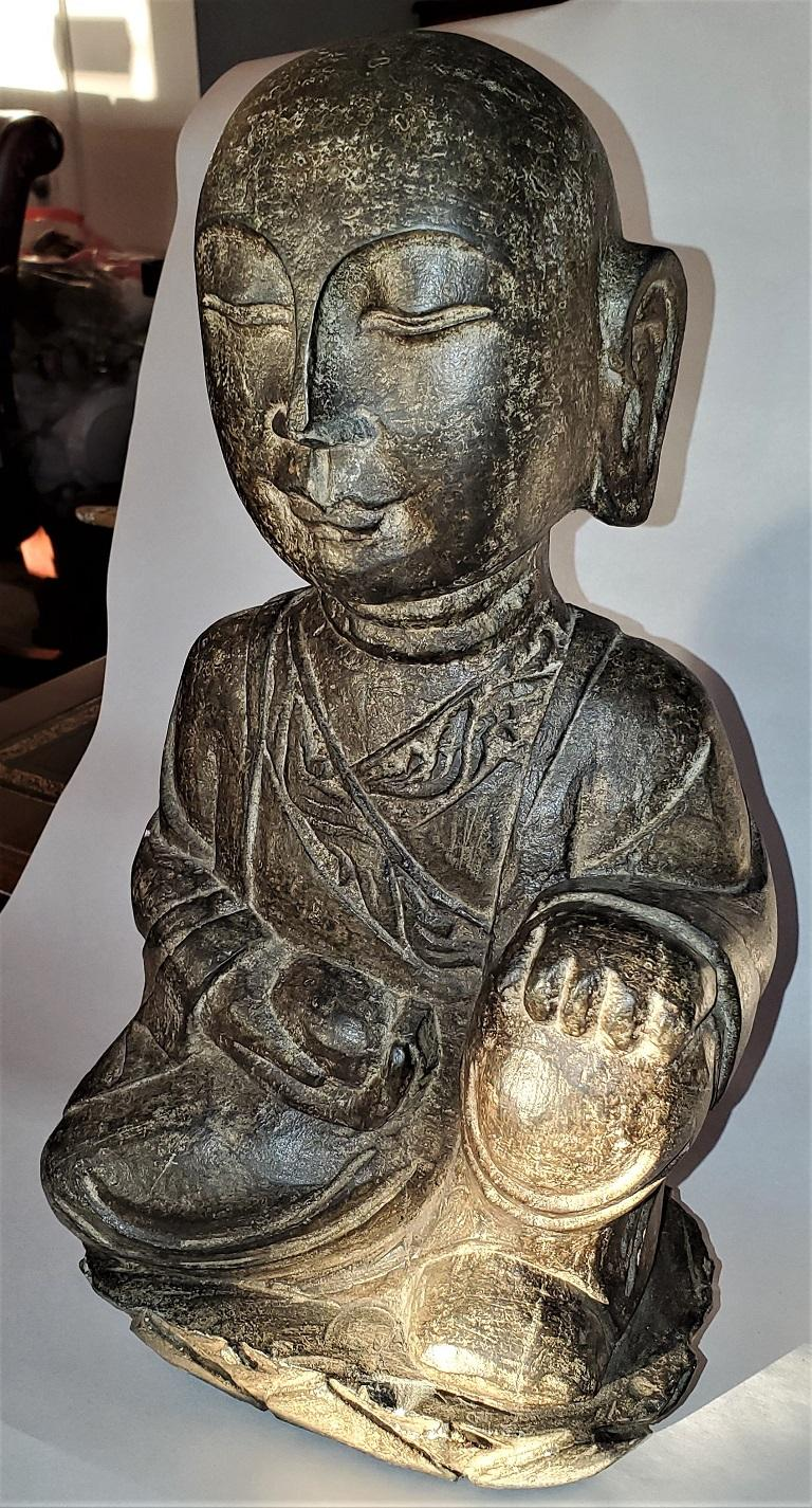 Hand-Carved Early 20th Century Japanese Stone Carved Buddha For Sale