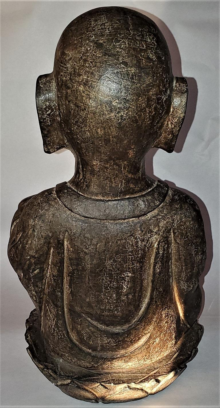 Early 20th Century Japanese Stone Carved Buddha In Good Condition For Sale In Dallas, TX