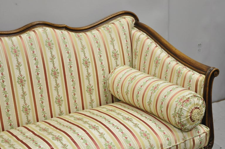 French Louis XV Provincial Style Sofa with Serpentine Carved Back In Good Condition For Sale In Philadelphia, PA