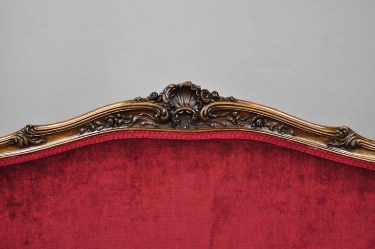 Early 20th Century French Louis XV Style Shell Carved Mahogany Sofa Settee In Good Condition For Sale In Philadelphia, PA