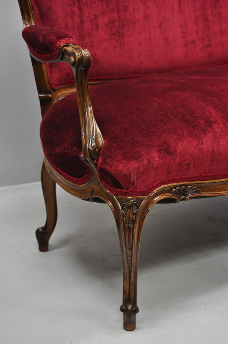 Early 20th Century French Louis XV Style Shell Carved Mahogany Sofa Settee For Sale 2