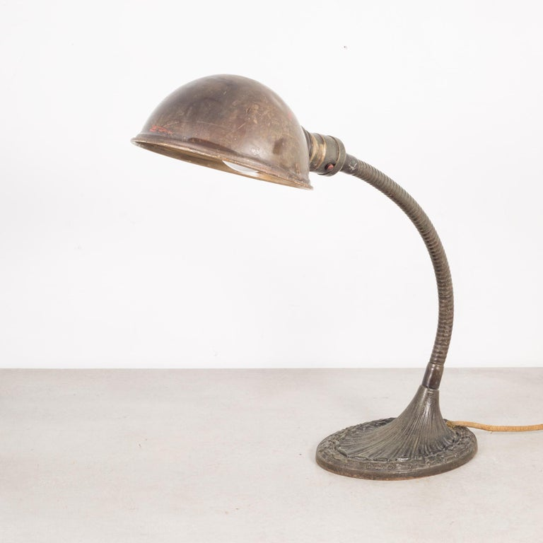 Early 20th Century Gooseneck Cast Iron Task Lamp, circa 1930 In Good Condition For Sale In San Francisco, CA