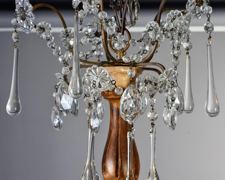 Early 20th Century Italian Five Light Crystal and Giltwood Chandelier For Sale 2