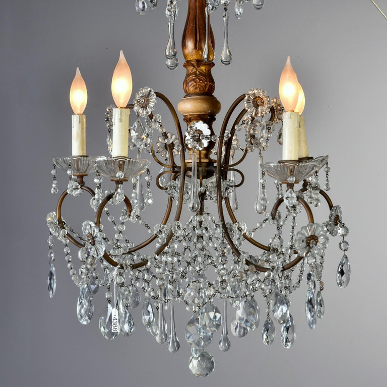 Early 20th Century Italian Five Light Crystal and Giltwood Chandelier For Sale 5