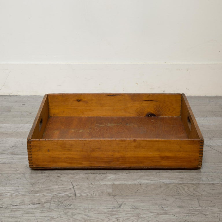 Early 20th Century Wooden Baker's Bread Tray with Dovetail Joints 1