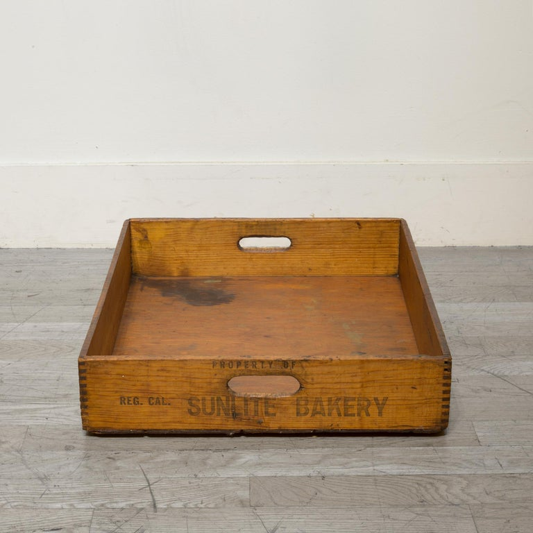 Early 20th Century Wooden Baker's Bread Tray with Dovetail Joints 2