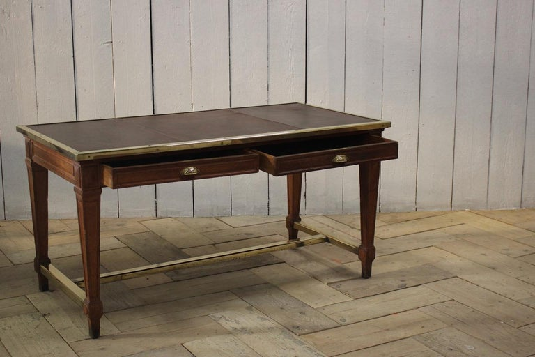 """Early 20th Century French """"Bank of France"""" Oak Desk In Good Condition For Sale In Gloucestershire, GB"""