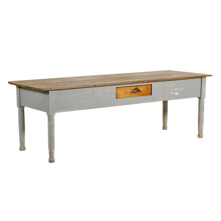 Rustic Early 20th Century American Farm Table For Sale