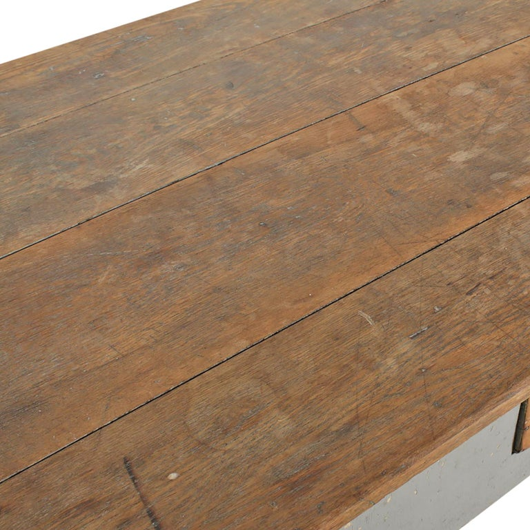 Early 20th Century American Farm Table For Sale 3