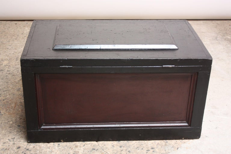 Early 20th Century American Painted Trunk or Blanket Chest In Good Condition For Sale In Brooklyn, NY