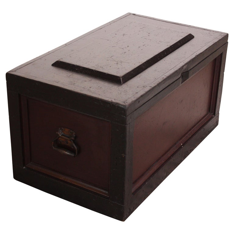 Early 20th Century American Painted Trunk or Blanket Chest For Sale