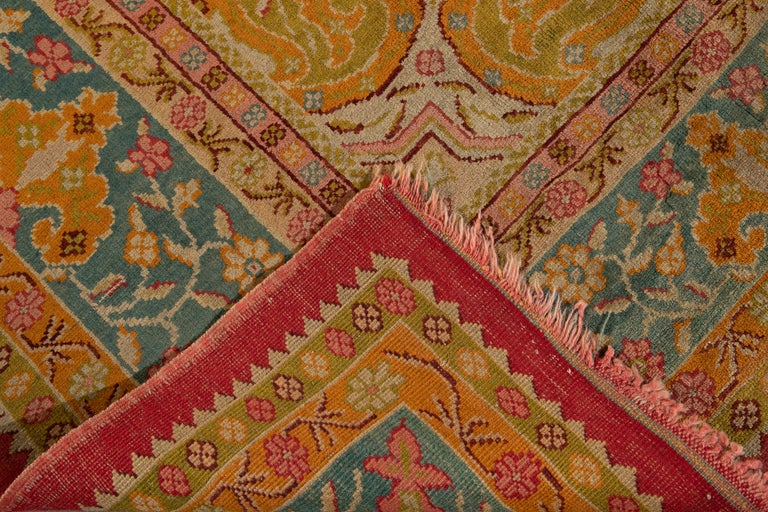 Early 20th Century Antique Turkish Oushak Wool Rug In Good Condition For Sale In Norwalk, CT