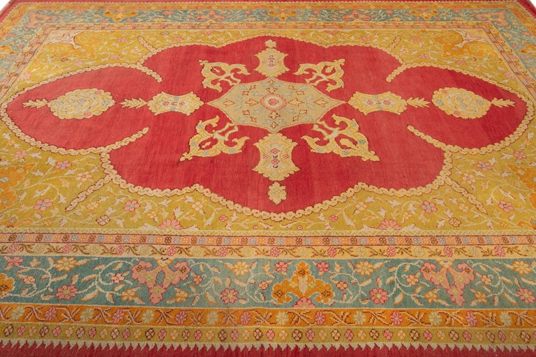 Early 20th Century Antique Turkish Oushak Wool Rug For Sale 5