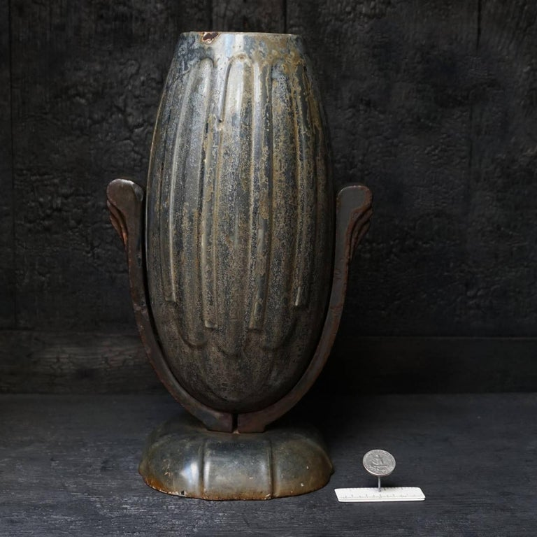 Early 20th Century Art Deco French Enamel Cast Iron Cemetery Vase For Sale 2