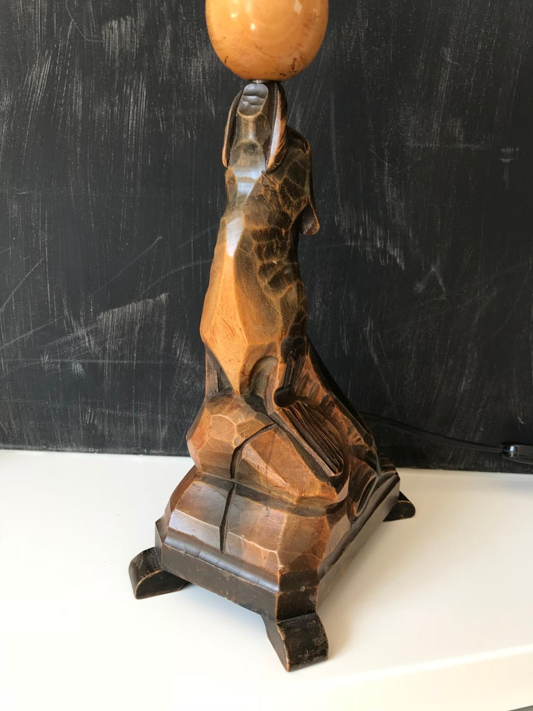 Early 20th Century Art Deco Hand Carved Wooden Seal, Sea Lion Table or Desk Lamp In Good Condition For Sale In Lisse, NL