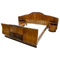 Early 20th Century Art Deco Italian Walnut Double Bed, 1925