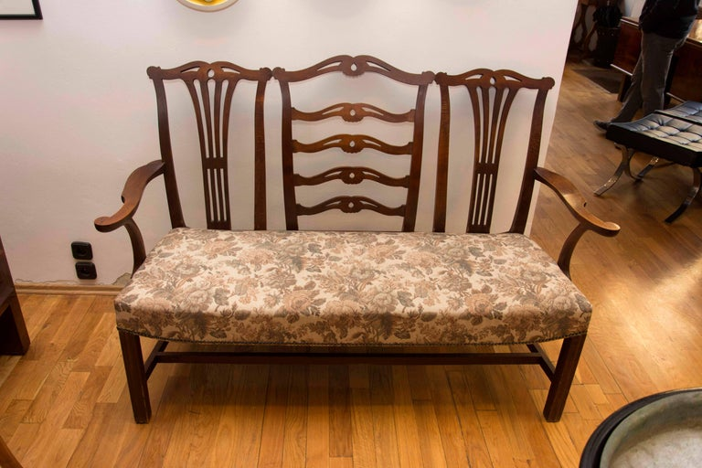 This bench by Adolf Loos comes from the Rudolf Kraus apartment (brother of Karl Kraus) at address Vienna 1, Nibelungengasse 13. Made of solid oakwood. In the original, but very good condition.  Literature: M. Kristan, Adolf Loos, Wohnungen,