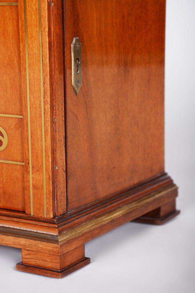 Early 20th Century Art Deco Jewelry Box, Walnut, Czechia 'Bohemia', 1920s In Good Condition For Sale In Prague 1, CZ