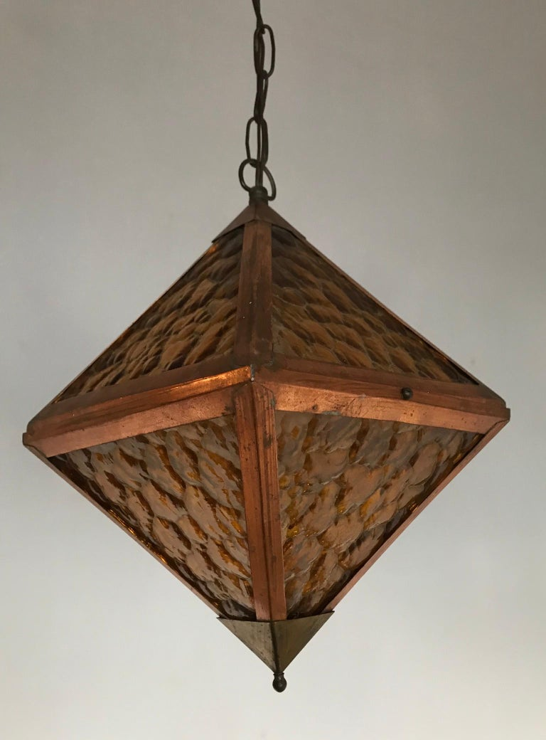 Early 20th Century Arts & Crafts Copper and Glass Cube Shape Pendant Light Lamp For Sale 11