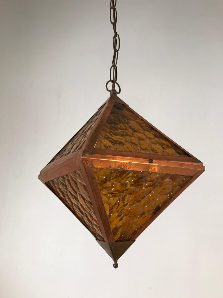 Hand-Crafted Early 20th Century Arts & Crafts Copper and Glass Cube Shape Pendant Light Lamp For Sale