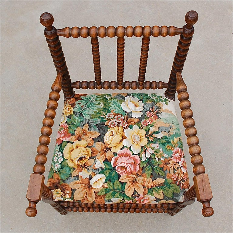 Aesthetic Movement Early 20th Century Bobbin Chair with Upholstered Seat For Sale