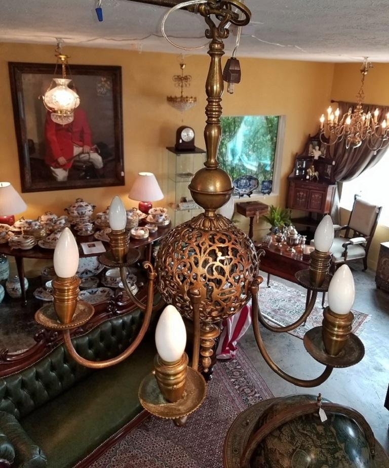 Early 20th Century Bronze Chandelier and Wall Light Set For Sale 6