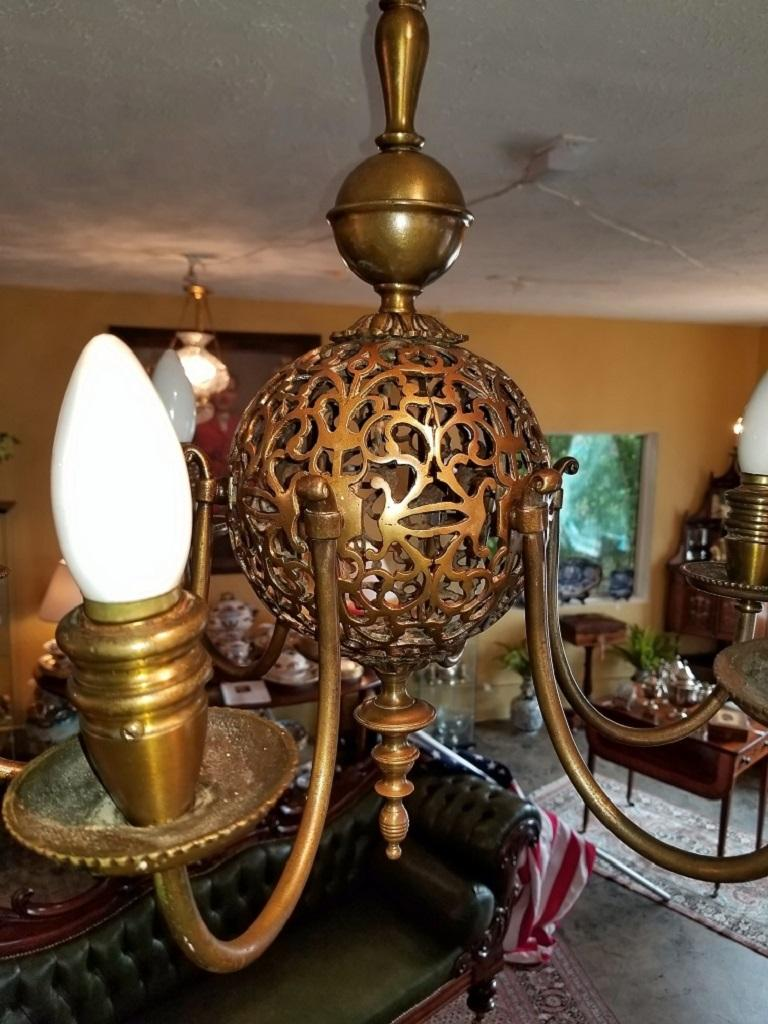 Early 20th Century Bronze Chandelier and Wall Light Set For Sale 7