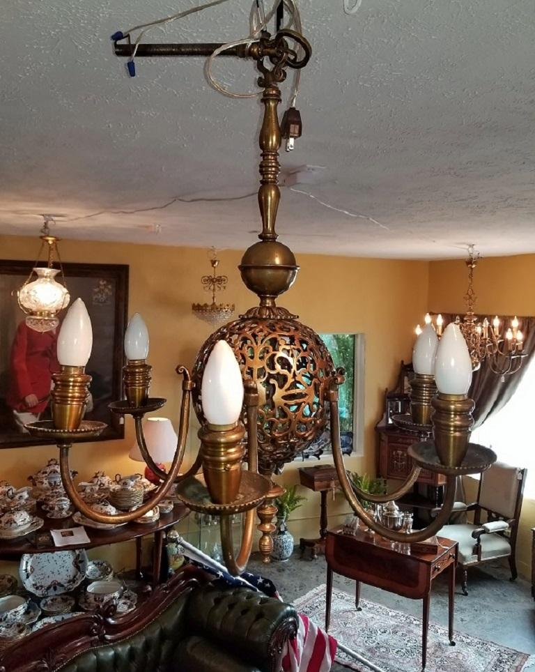 Early 20th Century Bronze Chandelier and Wall Light Set For Sale 8