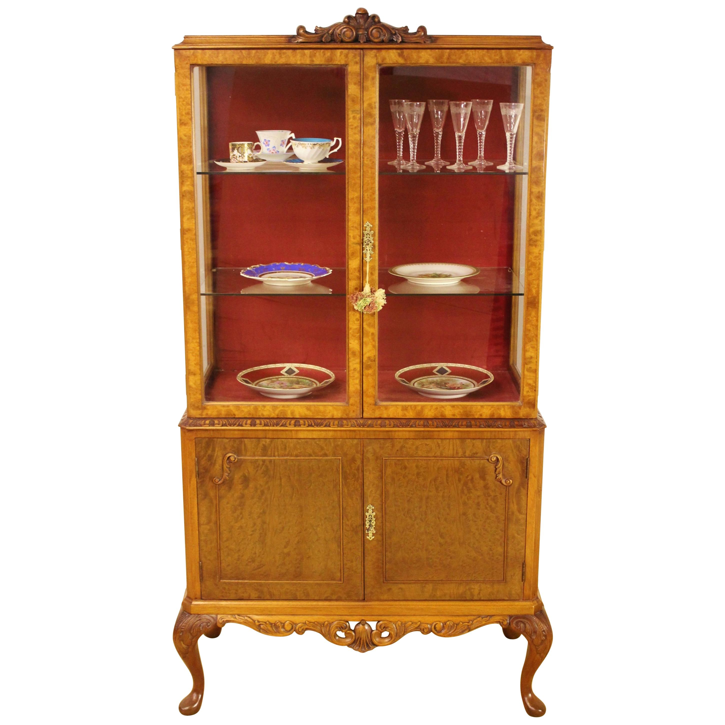 Superieur Early 20th Century Burr Walnut Queen Anne Style Display Cabinet