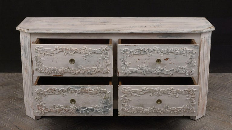 Italian Painted Chest of Drawers For Sale 1
