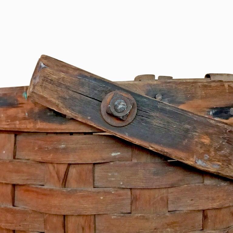 Hand-Woven Early 20th Century Cedar Splint Basket For Sale
