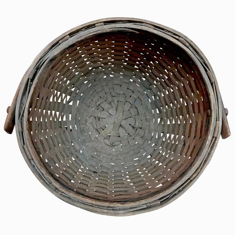 Early 20th Century Cedar Splint Basket For Sale 2